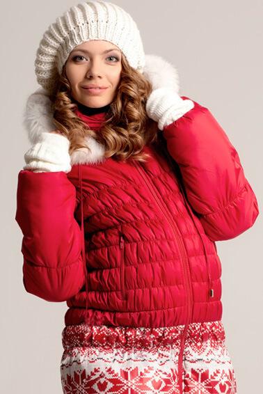У нас имеется верхняя зимняя одежда для беременных на любой сезон и